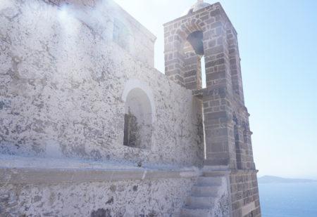 【プラカキャッスル】ミロス島が一望できる丘の上。 誰が為に鐘は鳴るのか | ミロス島プラカ