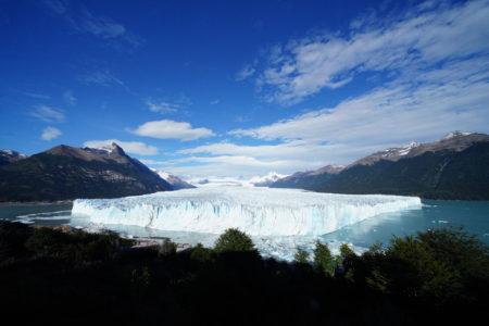 【ペリトモレノ氷河】世界自然遺産の中、氷上の優雅……ではないトレッキング! | 南パタゴニア