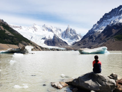 【セロトーレ】難攻不落の山の素顔! 氷河が浮かぶ湖の絶景 | 南パタゴニア